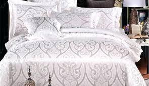 queen comforter measurements