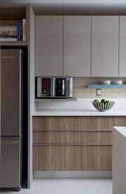 Os melhores modelos de armário para cozinha são aqueles que apresentam gabinetes com portas ou gavetões, gaveteiros e módulos aéreos. Armario De Cozinha Planejado 60 Ideias E Dicas Para Organizar