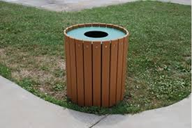 outdoor trash can. Picture Of Jayhawk Plastics PB32R 32 Gallon Outdoor Trashcan Trash Can E