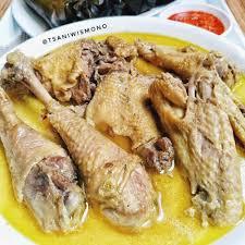 Masukkan ayam, aduk sampai berubah warna. 15 Resep Ayam Kuah Segar Spesial Enak Istimewa Praktis Bri