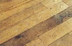 Pavimenti Per Interni Rustici : Decorazione sobria e intima di abitazioni restaurate in risparmio