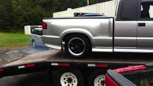 Modified custom chev s10 extreme does burnout on a flatbed - YouTube