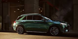 Looking for a luxurious mercedes 7 seater for your family? 21 Best Luxury Suvs Top Rated Suvs Of 2021 Updated