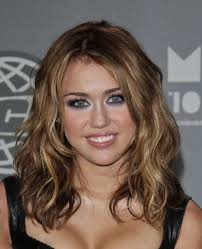 miley cyrus at the 2010 much video awards