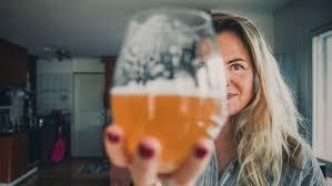 Olutsommelier Maria Markus pani olutta nunnan kanssa ja sai näpäytyksen  Intiassa – Vitsailen, etten käytä alkoholia muuten kuin töissä