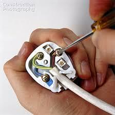 a085 00056 wiring a three pin plug construction photography Wiring A Plug wiring a three pin plug wiring a plugin