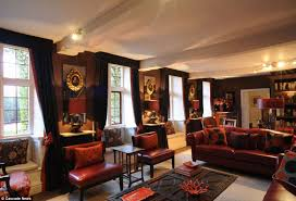 LlewlynBowenHarriot 2 Pictures  Getty ImagesChanging Rooms Interior Designers