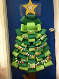Classroom Door Designs For Christmas 21 Teachers Who Nailed The Holidays Christmas Classroom