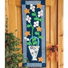 Berries: Folk Art Quilted Wall Hanging Pattern & Winter Berries: Folk Art Quilted Wall Hanging Pattern Adamdwight.com