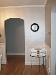 pearl wall paintThis is not a room in my home but it demonstrates the silver color