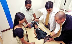 tallest woman in the world 2013 height. Wonderful Height Jyoti Amge 18 Of Nagpur India Is 247 Inches Tall Amge Inside Tallest Woman In The World 2013 Height T