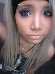 white s wear gyaru makeup 13