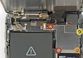 Using the Wrong Screw: A Painful Lesson in iPhone Repair | Hackaday