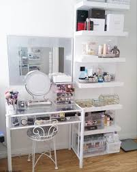 Fantastic Makeup Vanity Ideas For Small Spaces Pic