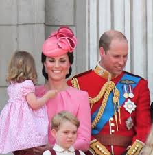 kate middleton was glowing presenting her newborn baby and i felt inspired here she is a new mother looking more beautiful than ever a couple days