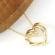 no reserve 14kt yellow gold 0 19 ct diamond heart pendant necklace