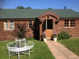 keepers lodge self catering log cabin new forest holiday cote in fordingbridge hshire