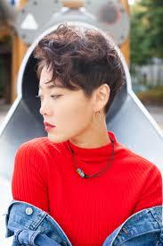 韓国現地ヘアスタイル素敵な女性に人気がある個性的なモードのツー