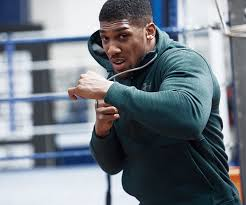 under armour tracksuit. antony joshua working out, wearing under armour training wear tracksuit l