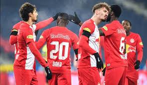 The hosts are undefeated in the last 11 games against sturm graz. Sk Sturm Graz Red Bull Salzburg Die Bundesliga Heute Im Tv Livestream Liveticker Sehen