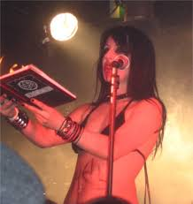 Vamps 09 | Sonya Scarlet doing her thing - reading from the … | Flickr