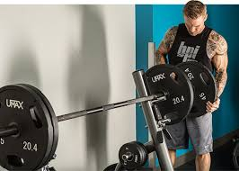 WATCH Templeu0027s Kyle Friend Bench Presses 225 Pounds 41 Times At 225 Bench Press Workout