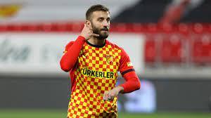 Alpaslan Öztürk kimdir? Galatasaray'a transfer olan Alpaslan Öztürk'ün  futbol kariyeri..