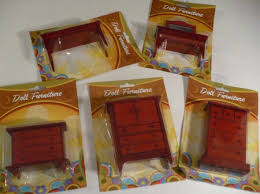 miniatures dollhouse furniture. i just found furniture at dollar tree last night and planned on dollhouse tutorialsdiy dollhouseminiature miniatures e