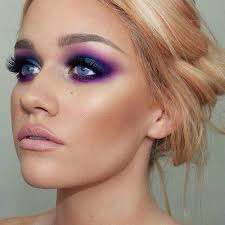 green eyes look amazing when they re enhanced by a smokey eye a smokey eye creates sultry effect that can make you look even more beautiful