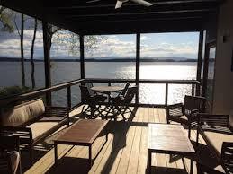 4 br burlington lakefront home with