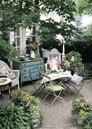 courtyard furniture ideas. Shabby Chic Courtyard With Wooden Furniture Ideas