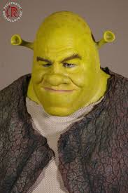 the one the only one king of the sw shrek wonder where fiona donkey and puss in boots are