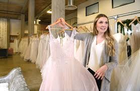 David Wedding Dress Designer Honest In Ivory Sells Designer Wedding Gowns In Warehouse