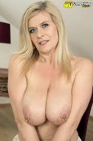 Mature big tits 40