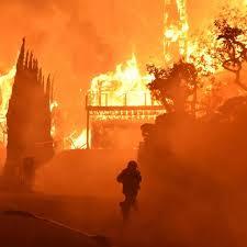Berdasarkan pengalaman,penyelidikan dan analisa dari setiap kebakaran dapat diambil kesimpulan bahwa penyebab terjadinya kebakaran adalah:karena unsur manusia dan peralatan yang digunakan serta unsur alami. Kalau Kebakaran Pilih Selamatkan Anak Atau Suami Citizen6 Liputan6 Com