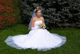 Svatební účesy Se Závojem Zdůrazněte Svou Něžnou Stránku