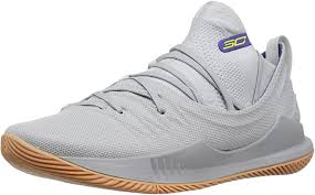 Curry and under armour are releasing the chef curry version of the curry 2 low shoes, and the internet quickly decided they weren't having this edition of the shoes. Amazon Com Under Armour Men S Curry 5 Basketball Shoe Basketball