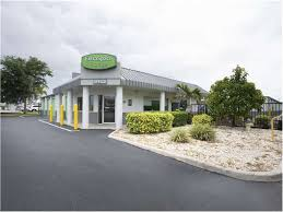 image of extra e storage facility on 4173 clark rd in sarasota fl