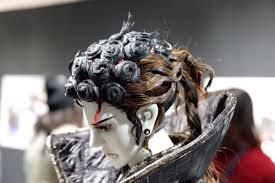 おしゃれな髪型やと思って見てたら目線がイケメン サンファン世界