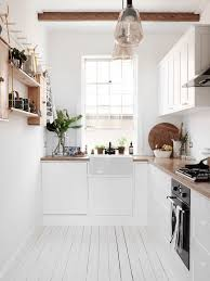 who says that stylish kitchens need to come with a big footprint while a lot of people fantasize about owning a sprawling kitchen complete with waterfall