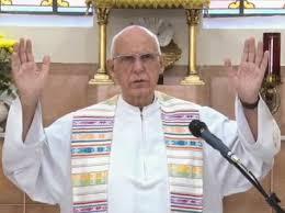 Padre Julio Lancellotti responde insinuações de Bolsonaro