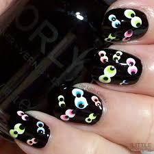 The One With the Googly Eye Nail Art - The Little Canvas