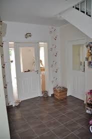 In flur und treppenhaus benötigst du eine helle grundbeleuchtung. Flur Eingangsbereich Gestalten Ideen Fur Die Eingangs Gestaltung Hausbau Blog