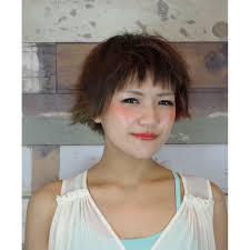 短い前髪が個性的なおしゃれママさん元気ボブ Soraソラのヘア