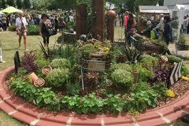 Small Round Flower Bed Design Circular Garden Design Fastcashtransaction Com
