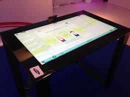 Micrsoft Table Samsung Demos Sur40 Display With Microsoft Surface It Pro