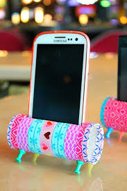 Cheap Crafts To Make and Sell - Toilet Paper Roll Phone Stand - Inexpensive  Ideas for