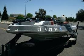 arrow glass photo of bass boat sold for by owner at park arrow glass and
