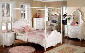 CM7519 Victoria Kids Bedroom in Pearl White w/Canopy Bed