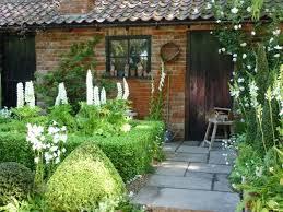 Be A Cottage Garden Renegade  Yard Ideas Blog  YardSharecomRomantic Cottage Gardens